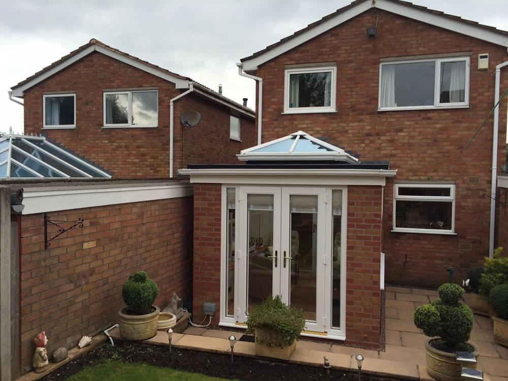 Conservatory With Roof Lantern Feature C Thru Windows